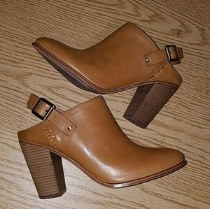 Vince Camuto Leather Clogs